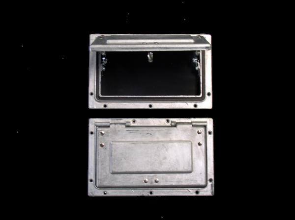 VENT - 215x165 METAL FLIP-UP (LARGE)